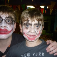 Детско парти с рисунка върху лице